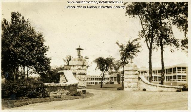 Western Maine Sanatorium gate, 1928