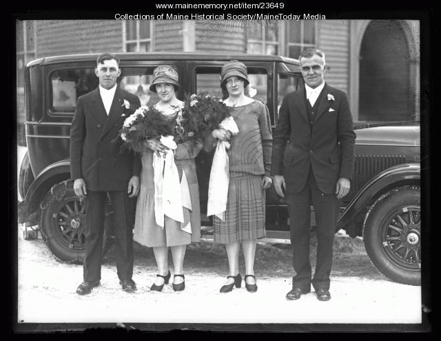 Mortensen wedding party, Portland, 1927