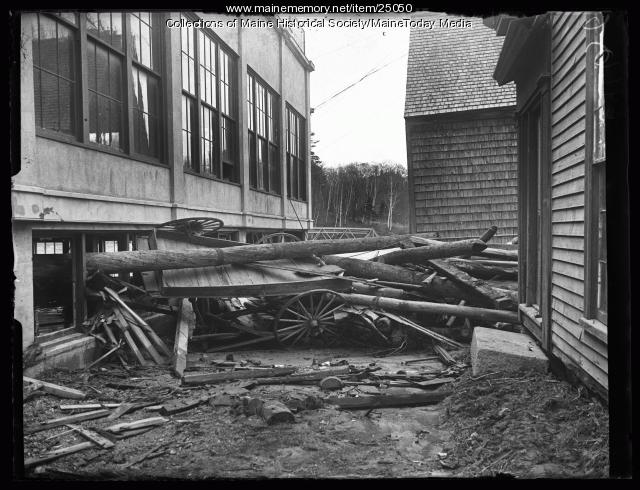 Overturned wagon and debris, Ellsworth, 1923