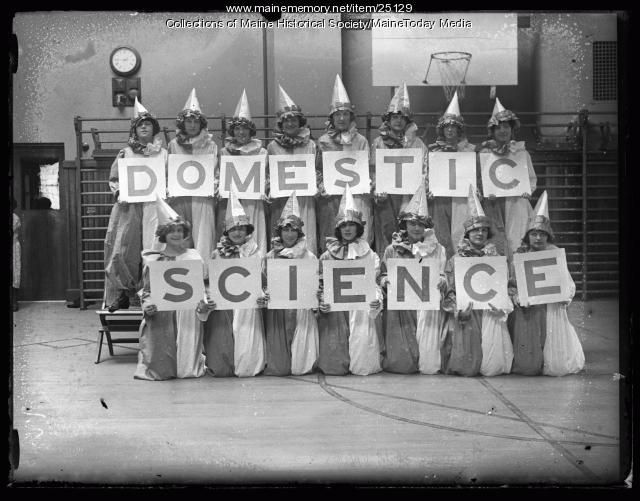 Domestic Science class, Portland, 1924