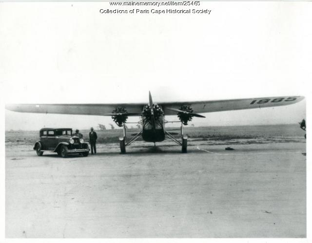 Southern Cross on runway, San Francisco, 1928
