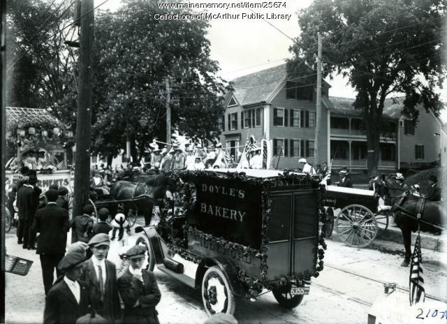 Floats for Biddeford Tercentenary celebration, 1916