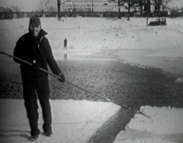 Ice cutting, South Portland, 1943