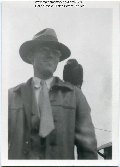 D. L. Moody with crow, Alfred, 1935