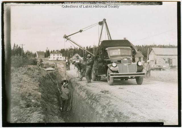 Laying water main, Lubec, 1941