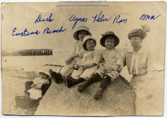 Kerr family, East End Beach, Portland, ca. 1913