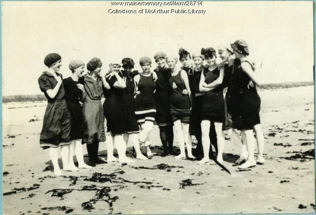 Women in bathing costume, 1915