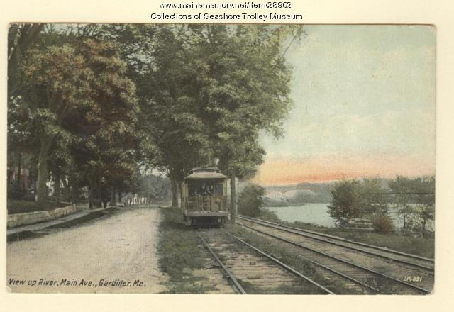 View upriver, Main Avenue, Gardiner, ca. 1910