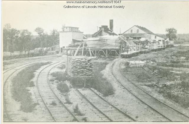 Katahdin Pulp & Paper Co. saw mill, Lincoln, ca. 1905