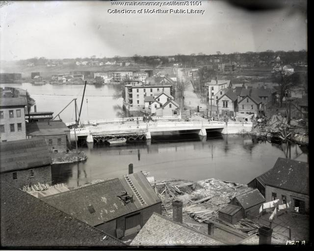 Construction of the new Bradbury Bridge, Biddeford, 1921