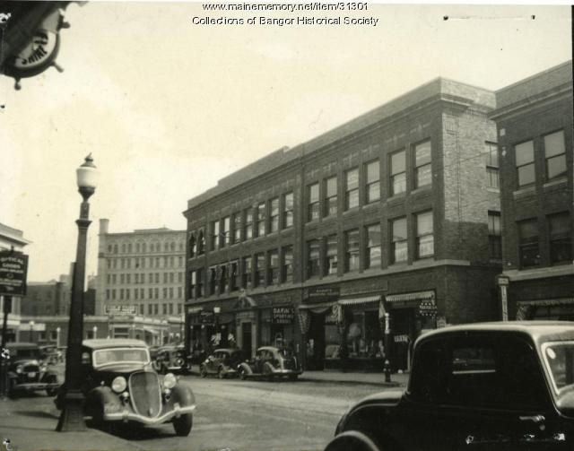 Maine memory network central street bangor ca 1935 for Motor city bangor maine