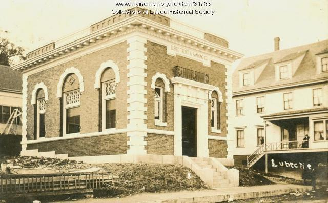 New bank building, Lubec, 1908