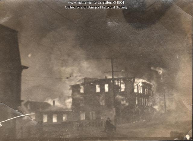 Downtown building on fire, Bangor, 1911