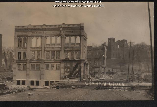 Downtown building in ruins, Bangor, 1911
