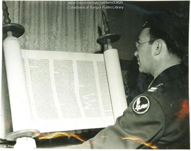 Captain Gordon, 'Flying Torah,' Bangor, 1945