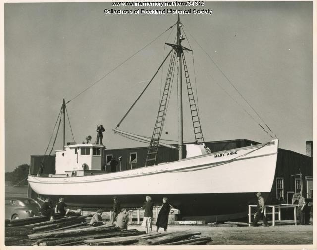 Sardine carrier Mary Anne under construction, Thomaston, 1947