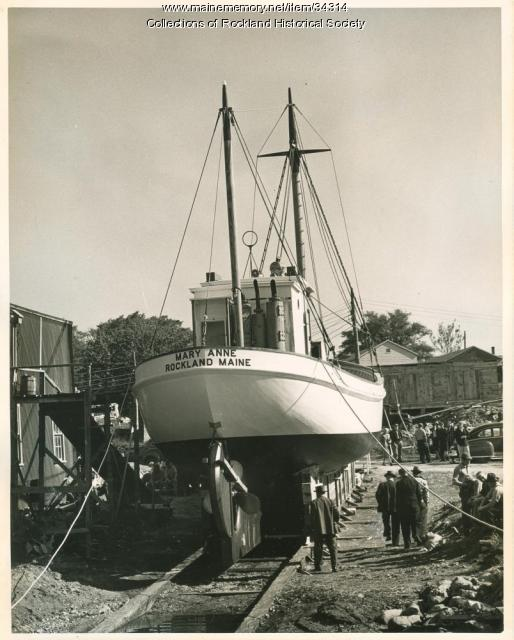 Sardine carrier Mary Anne stern, Thomaston, 1947