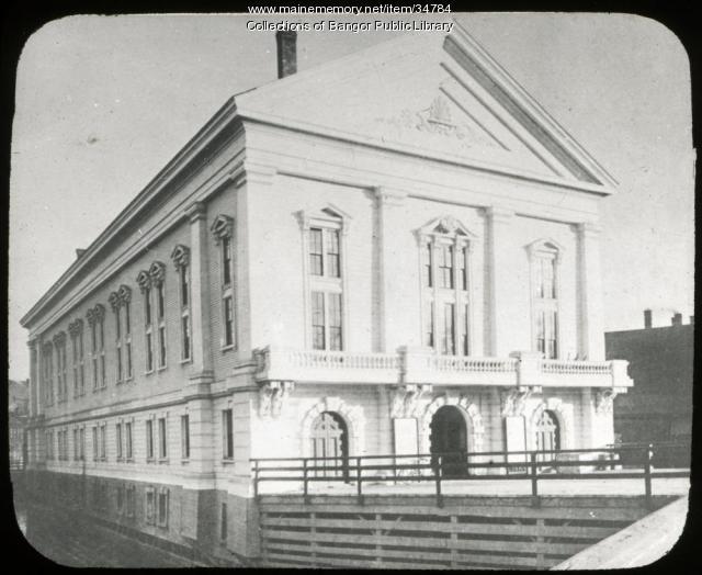 Front of Norumbega Hall, Bangor, ca. 1900