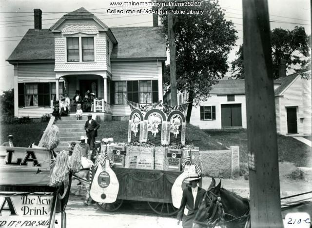 Floats for tercentenary celebration parade, Biddeford, 1916