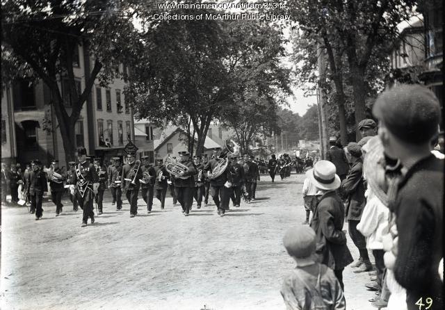 Masons marching with Painchaud's Band, Biddeford, ca. 1915