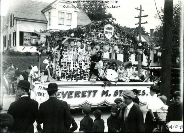 Everett Staples store parade float, Biddeford, 1916