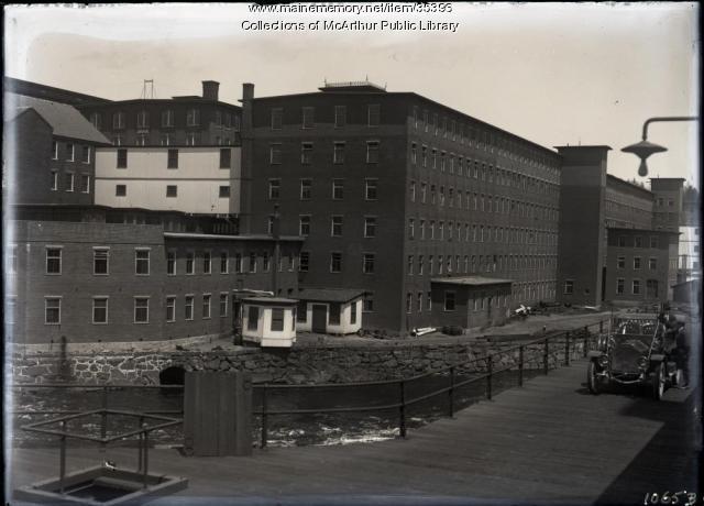 Smith Street bridge and mill buildings, Biddeford, 1912