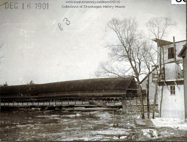 South Channel Bridge in freshet, Skowhegan, 1901