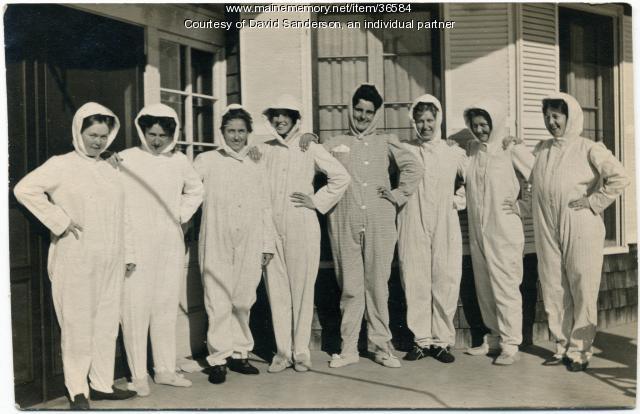Sanatorium 'outfits,' Hebron, ca. 1914