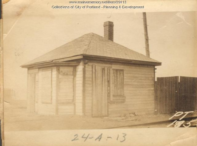 Office, Foot of Boyd Street, Portland, 1924