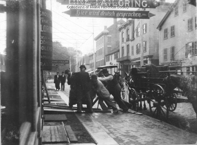 Junk shop, Portland, ca. 1895