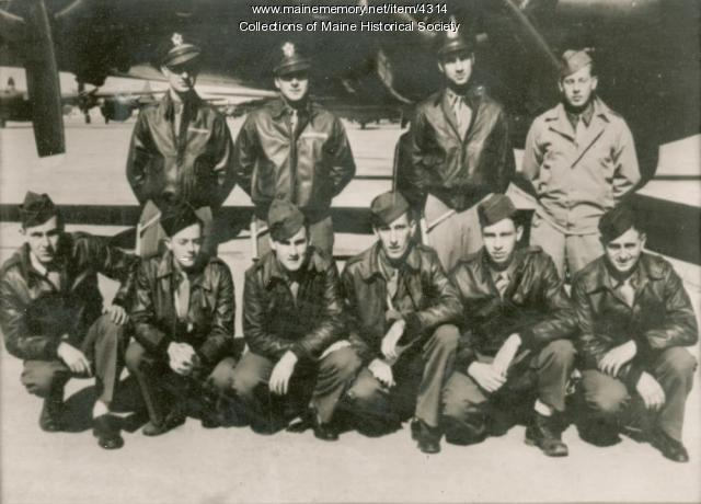 Walter Hustus with his squadron, 1943