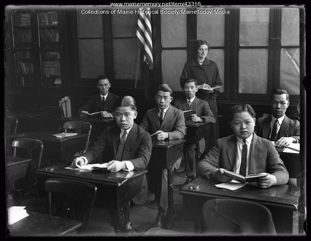 Adult Americanization class, Portland, 1925
