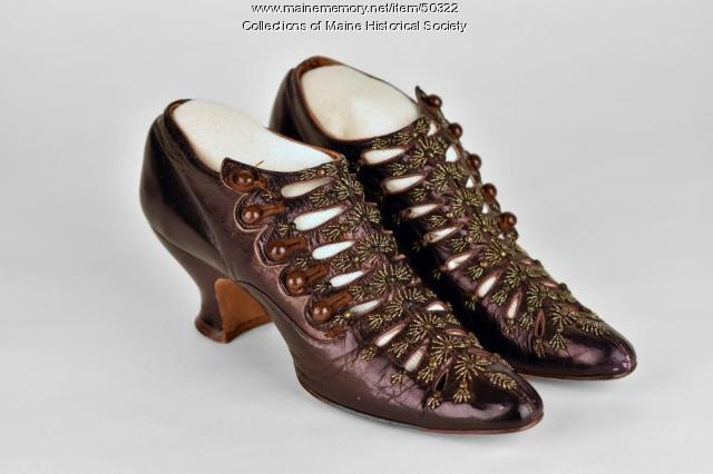 Women's dress shoes, ca. 1900