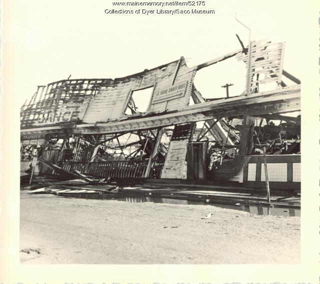 Rubble from fire, Old Orchard, 1948