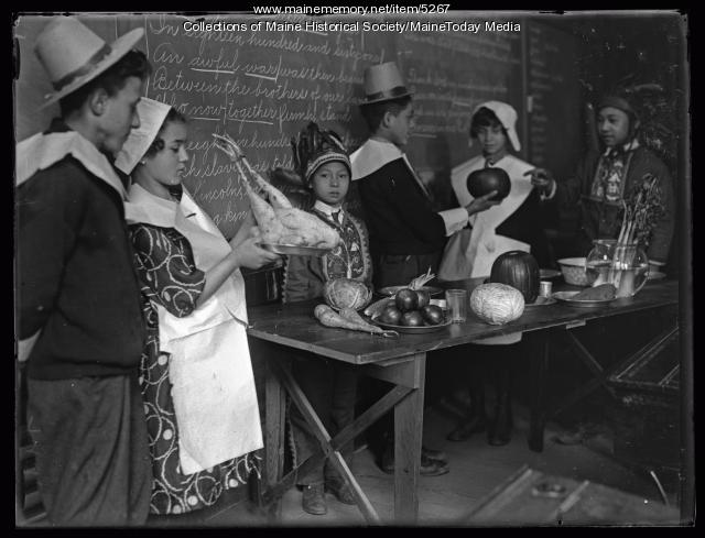 Chestnut Street School Thanksgiving, Portland, 1924