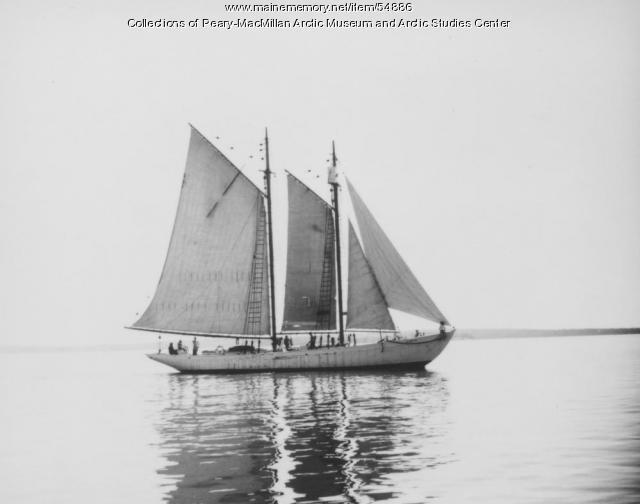 The schooner 'Bowdoin' at sea
