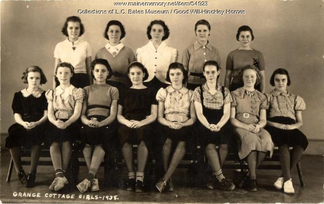 Grange Cottage girls, Fairfield, 1938