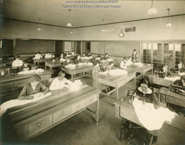 Portland High School sewing class, ca. 1920