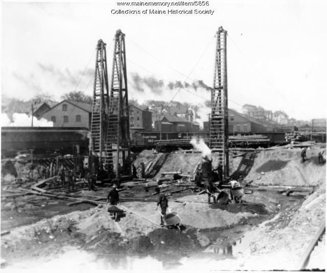Grand Trunk Railroad Grain Elevator, Portland, 1901