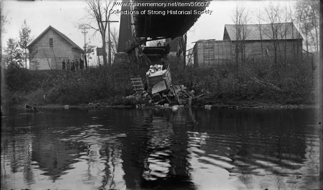 Cargo truck accident, Strong, ca. 1915