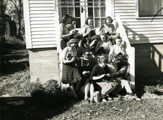 Home Ec students knitting, Farmington State Normal School, 1940