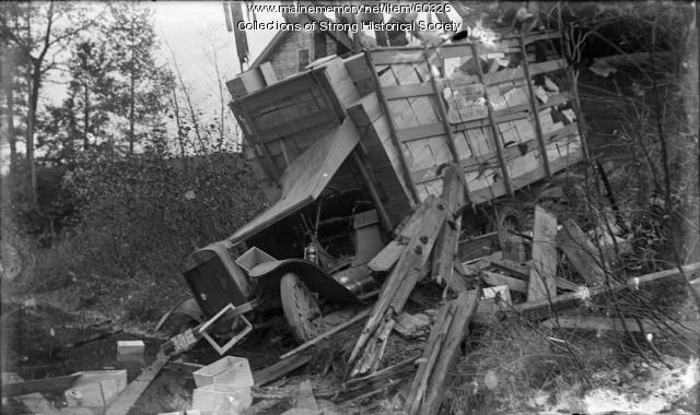 Cargo truck accident, Strong, October 2, 1915