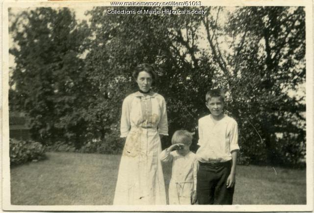 Elise Fellows White and sons, Skowhegan, ca. 1911