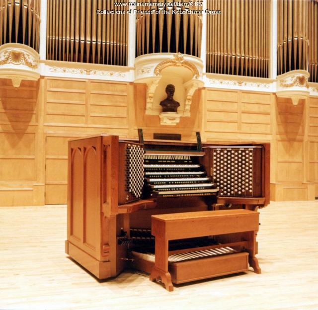 Austin Organ console, Portland, 2000
