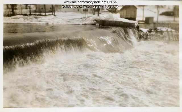 Dam overflowing, Winslow, 1936