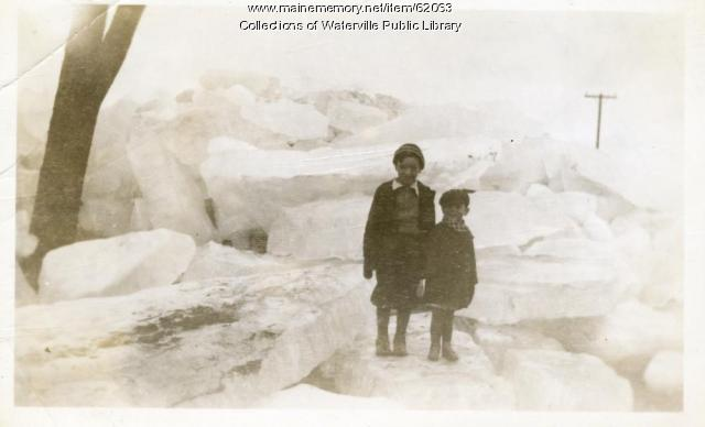 Grounded ice blocks, Waterville area, 1936