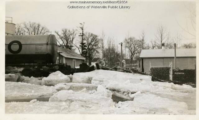 Ice blocks at Texaco, Winslow, 1936