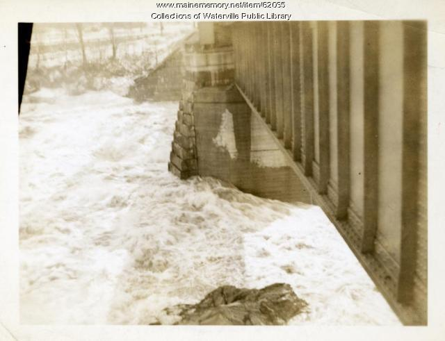 Floodwater, Waterville and Winslow railroad bridge, 1936