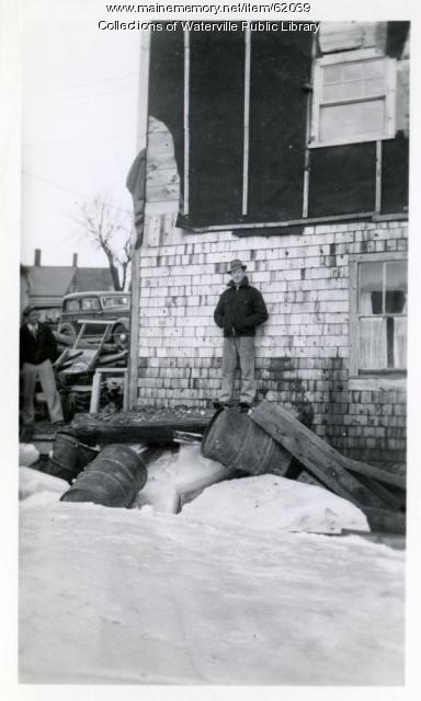 Grounded ice blocks, Fairfield, 1936