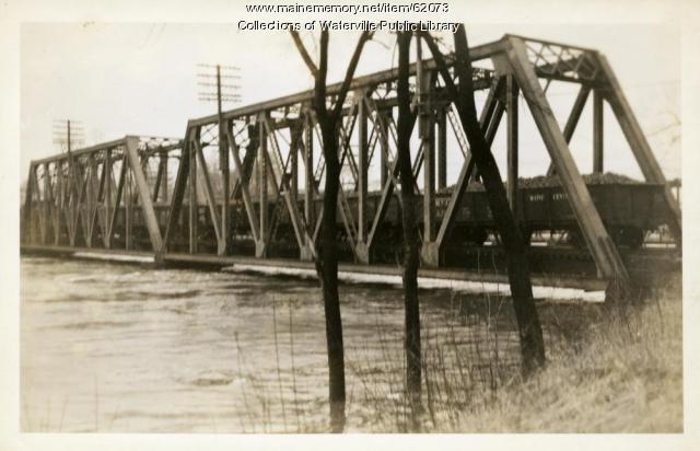 Near-overflowing bridge, Winslow, 1936